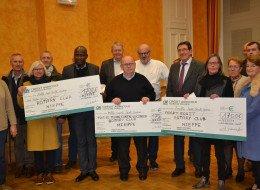 Remise de chèques du Week-end d'Élégance automobile de Nieppe
