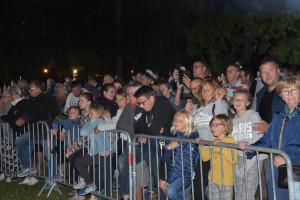 Beaucoup de monde dans le parc du Château