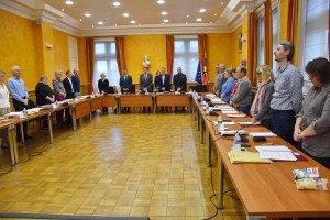 Le conseil municipal a observé une minute de silence en hommage à Jacques Chirac