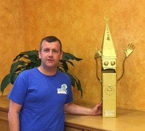 Jérémy Lenoir et le trophée de la Bataille des clochers