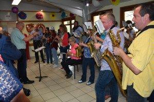 De la fête, l'Orchestre d'Harmonie de Nieppe a interprété quelques aubades