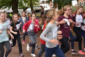 Les filles courraient sur des distances légèrement inférieures à celles des garçons
