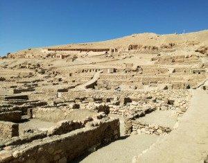 Les ruines du village de maîtres artisans