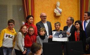 Le conseil municipal des enfants a remis un chèque de 526 € à l'ANAJI