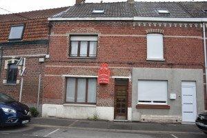 La maison natale de Line Renaud se trouve au 113 de la rue du Pavé Fruit